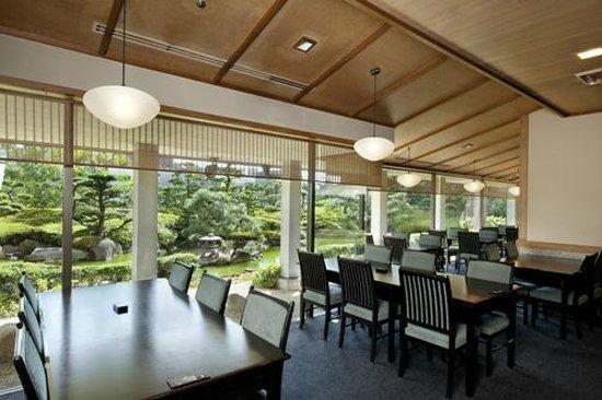 ANA Crowne Plaza Hiroshima : レストラン雲海からの眺め