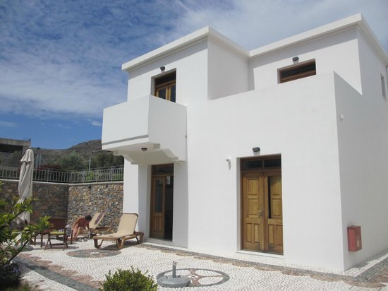Georges Luxury Villas: front view