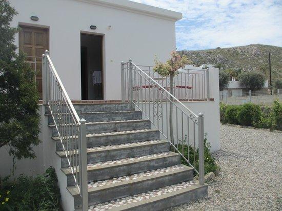 Georges Luxury Villas: back entrance