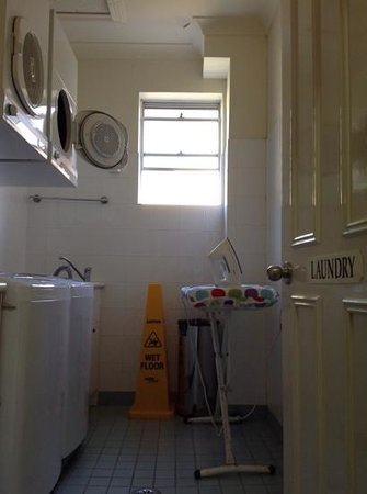 Anderledy Lodge : free laundry - why not buy some washing powder at local Aldi and leave for next guests?