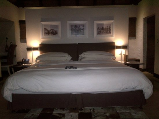 andBeyond Phinda Mountain Lodge : Need a comfortable sleep if you are going to wake up at 5am for a sunrise game drive