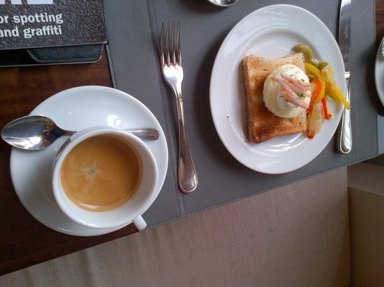 InterContinental Sao Paulo: Breakfast at lounge