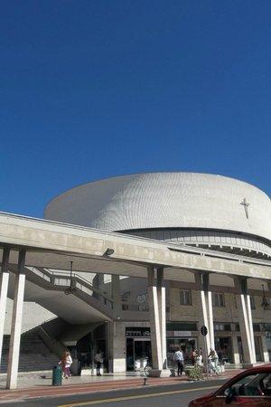 NH La Spezia: Церковь в постмодернистком стиле