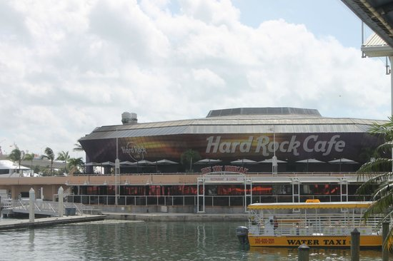 Bayside Marketplace : Hard Rock Cafe Miami