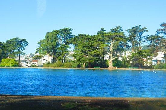 Golden Gate National Recreation Area : Sparkling Lake