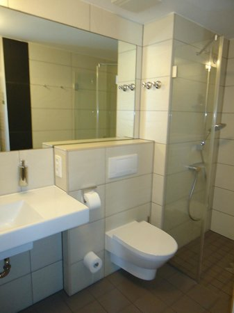 The Circus Hotel: Bagno