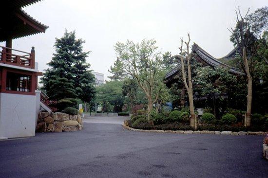 Shiba Park: attorno al tempio
