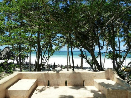 Kenyaways Beach Bed & Breakfast: Shared area balcony view