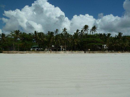 Kenyaways Beach Bed & Breakfast: Beach to Hotel view