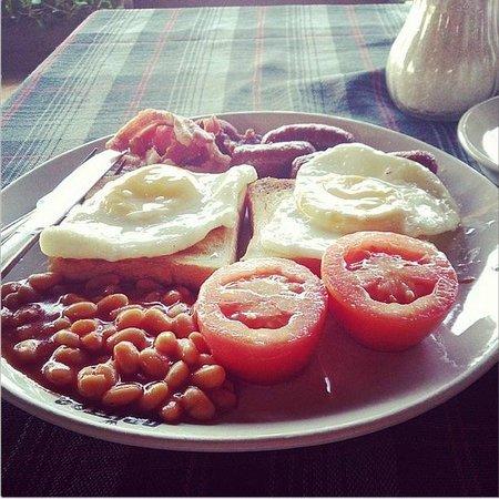 Britto's: English Breakfast