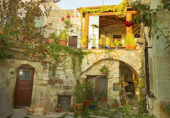 Meleklerevi Cave Hotel: courtyard