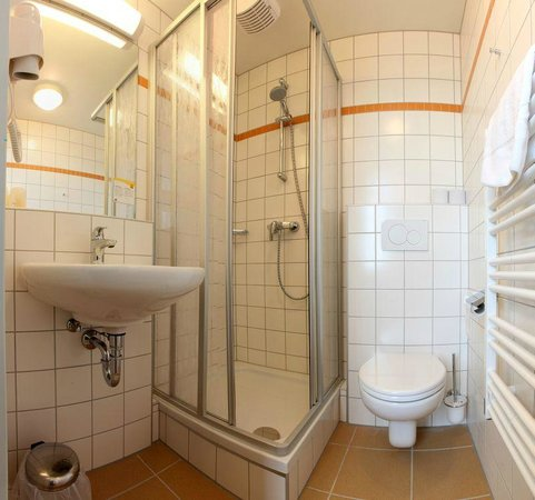 JUFA Hotel Lungau: Bathroom