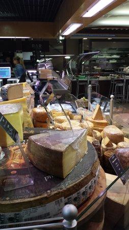 Les Halles de Lyon Paul Bocuse: Cheese Heaven!