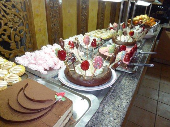 Club Marmara Dahlia: Desserts du lundi de Pacques
