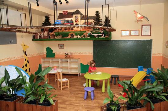 Camping Cadi Vacances: Sala de Juegos Infantil
