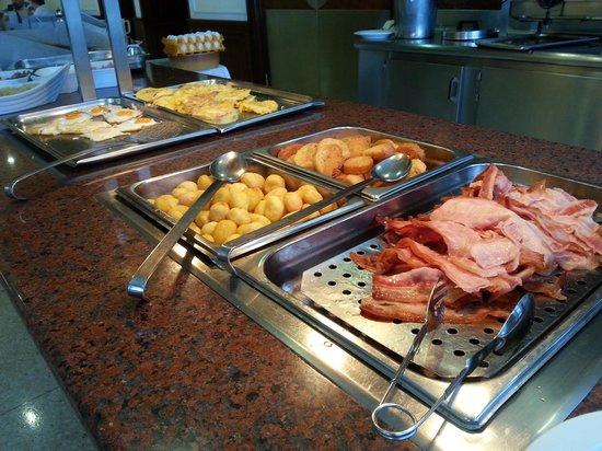 Hotel El Tope: Śniadanie w hotelu