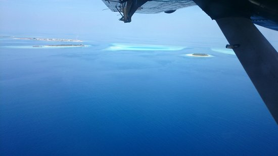 Komandoo Maldives Island Resort : View of Komandoo from seaplane