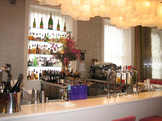 Tigerlily Hotel: The fabulous Champagne Bar