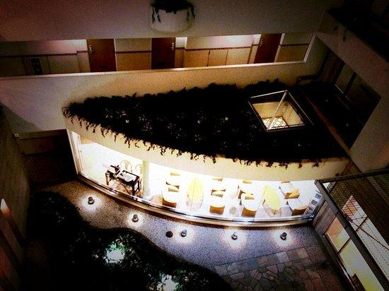 Tokyu Stay Yotsuya : マンション風の変わったホテル