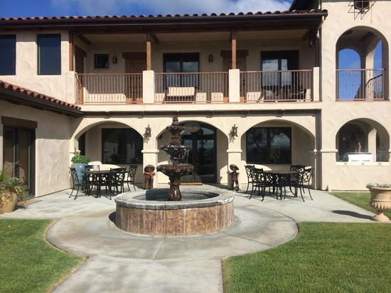 The Inn at Croad Vineyards: Accommodation building