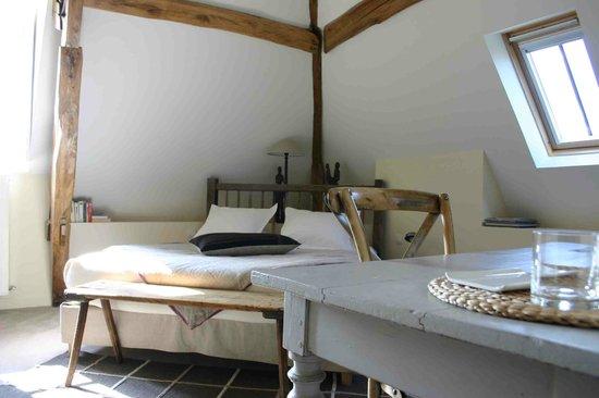 Villa Fol Avril : Chambre
