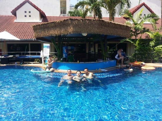 Horizon Patong Beach Resort & Spa: Swimming pool