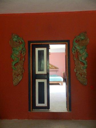 Kandy Samadhi Centre : dans le pavillon