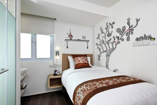 Studio single indian folk art themed room picture of for Indian themed bedroom