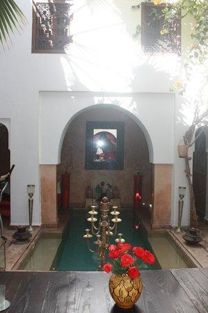 Ryad Noura : Courtyard