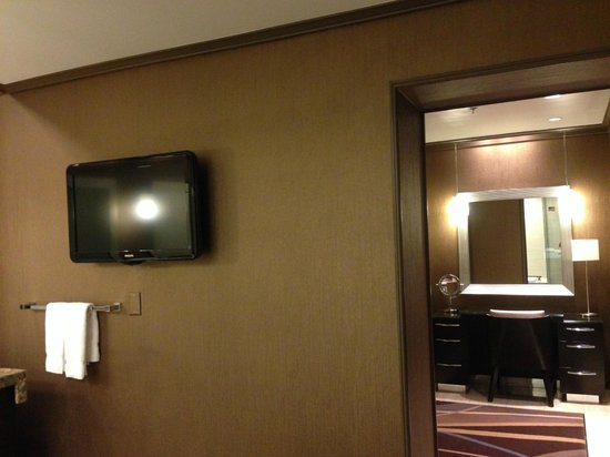 The Mirage Hotel & Casino: Flat Screen TV in the Bathroom