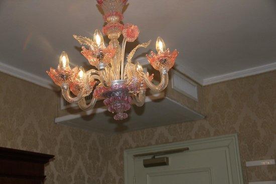 Hotel Flora : Classic lights