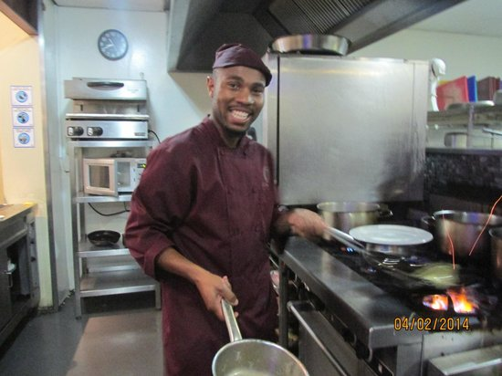 aha Royal Palm Hotel: Our very Happy Chef
