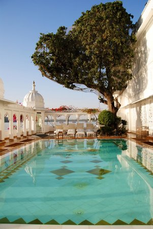 Taj Lake Palace Udaipur: The wonderful pool