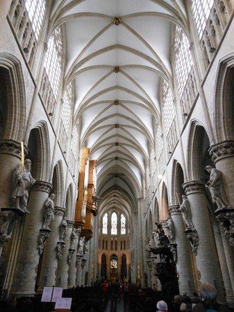 Cathédrale Saints-Michel-et-Gudule de Bruxelles : Interno della Concattedrale