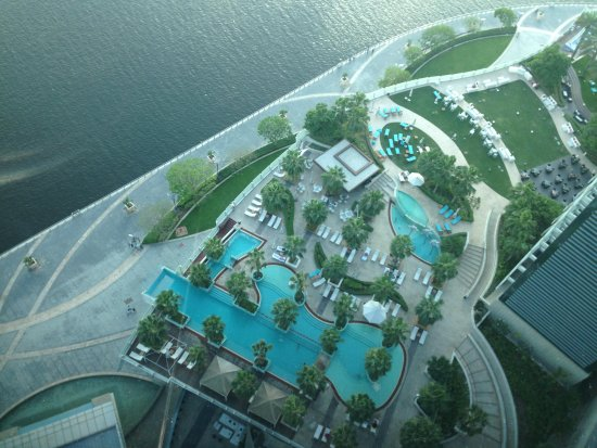 InterContinental Dubai Festival City: Swimming poosl