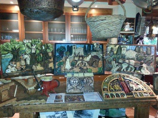 Al Cardellino : Esposozione dello scultore bardolinese Joe Loro