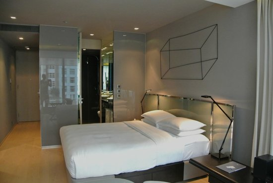 99 Bonham All Suite Hotel: View towards bathroom