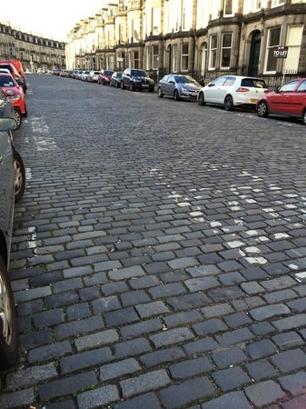 The Lairg : The Cobbled Street