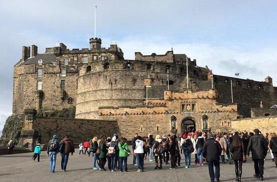 The Lairg : Edinburgh Castle