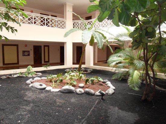 Hipotels La Geria : hotel corridor