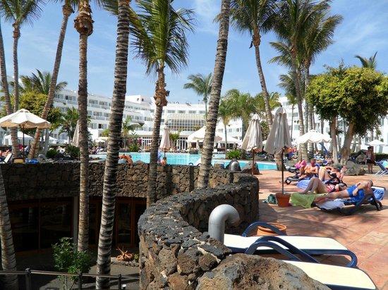 Hipotels La Geria : poolside