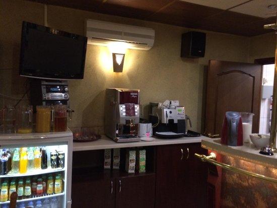 Hotel Regina: breakfast