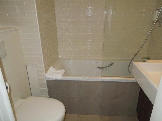Citadines Maine Montparnasse : バスルーム