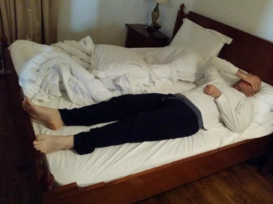 Hotel Scala: Short bed for 184cm