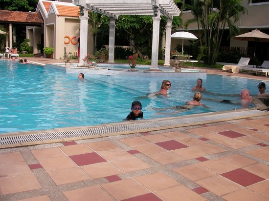 Hoi An Historic Hotel: hotel swimming pool