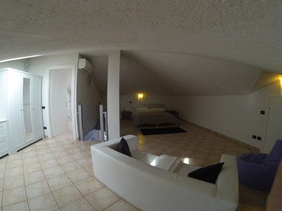 AroomS: Double Room