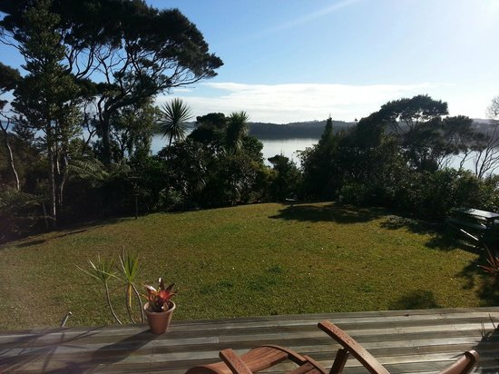 Cherry Bay Lodge: Kauri Room's deck