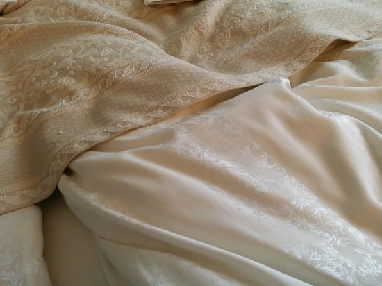 Grand Hotel Continental: Bed sheets wow