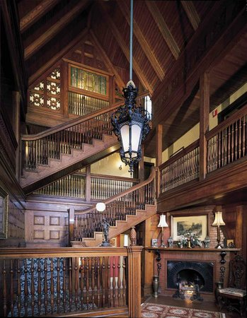 Ivy Lodge: Grand foyer