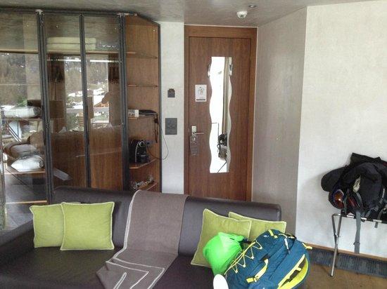 Matterhorn Focus - Design Hotel: The entrance door of bedroom